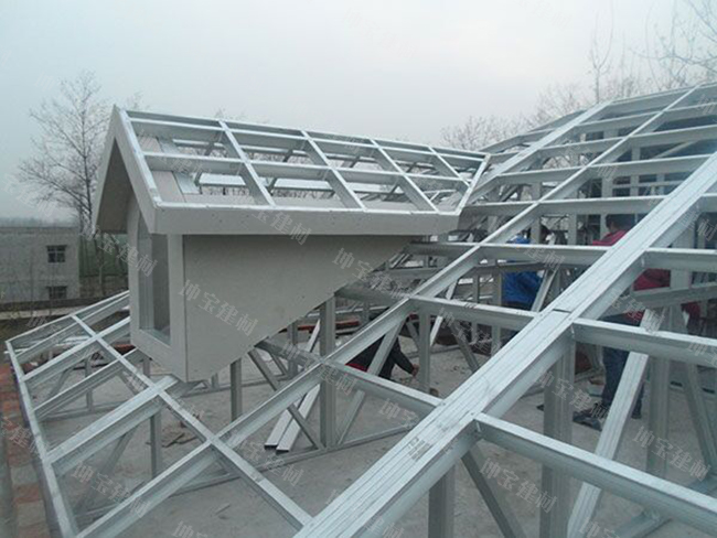 钢结构使用的彩钢瓦一般用什么厚度及型号的?
