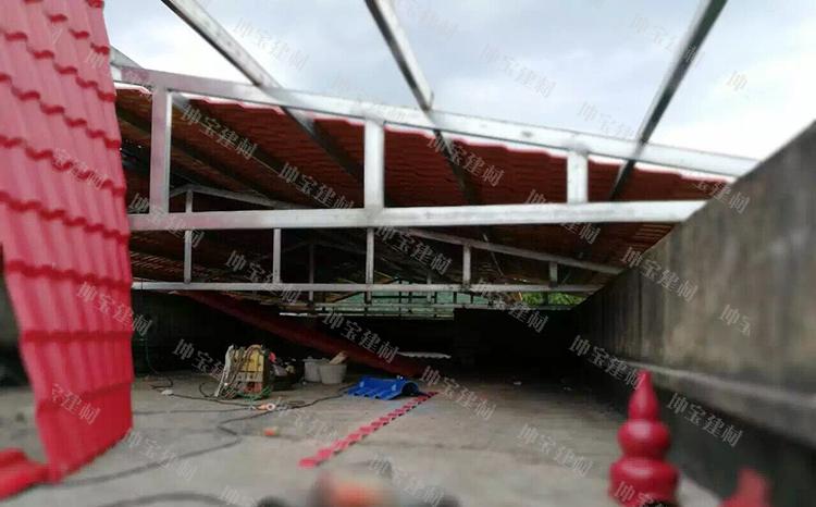 贵州小学屋顶平改坡使用合成万博官网manbetx电脑版瓦