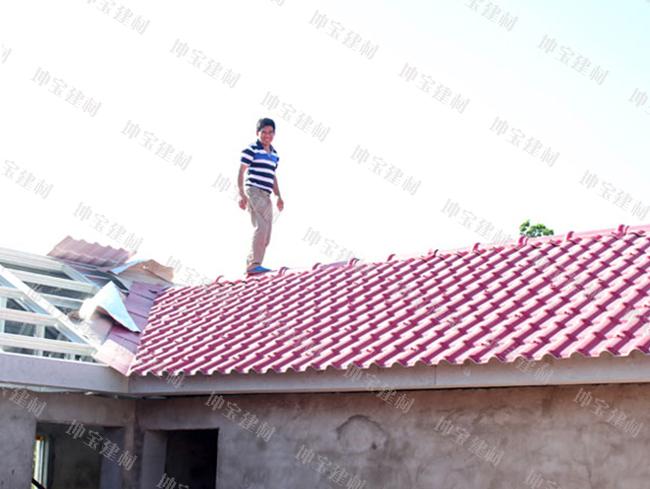 平顶楼房加层式平改坡使用合成万博官网manbetx电脑版瓦案例