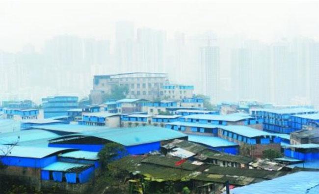PVC塑钢瓦掩映下的蓝色村落却是违章建筑