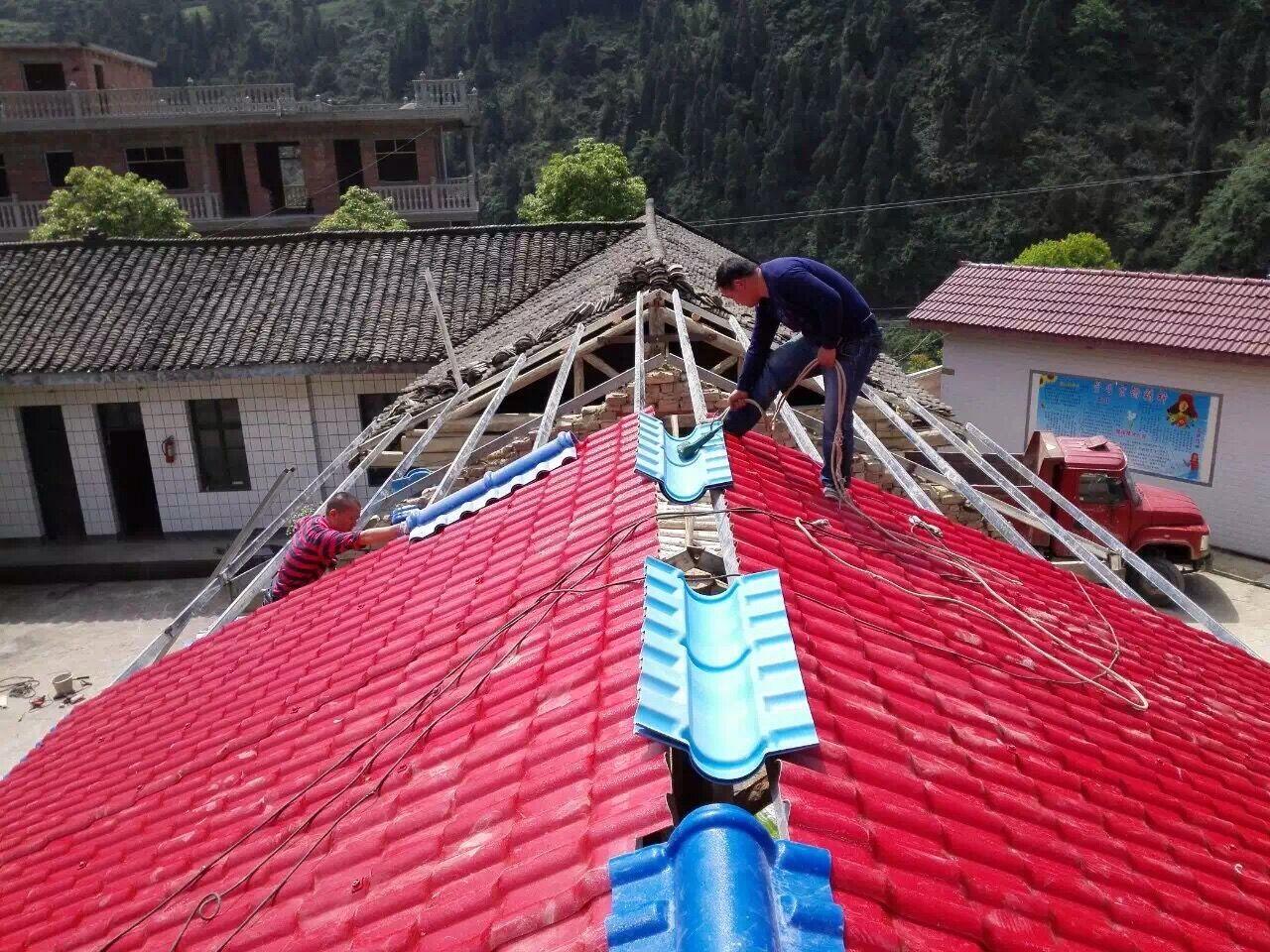 屋面瓦重要保护作用-正脊瓦和斜脊瓦