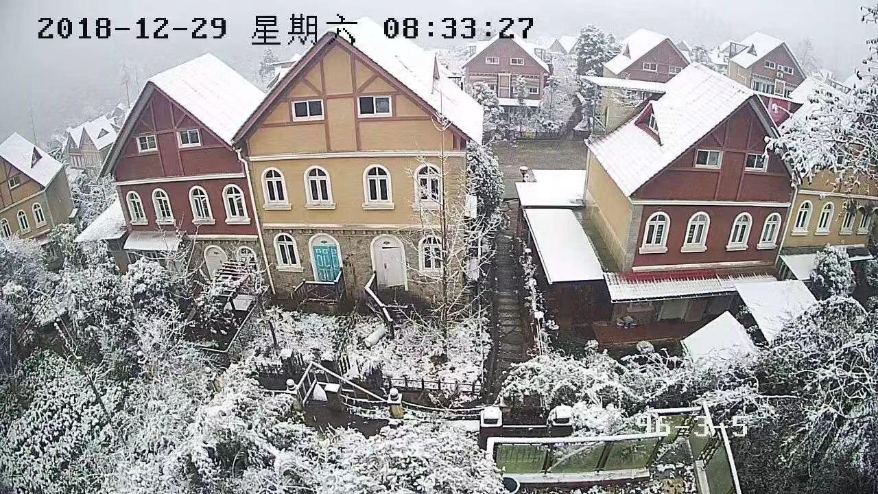 2018年成都下雪啦,「青山逸品」树脂瓦10年间的春夏秋冬