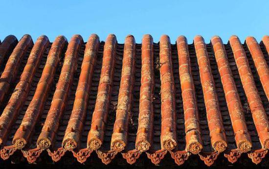 农村房屋屋顶用什么瓦比较不错?各种常见屋面瓦厂家分析一波