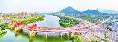 芗韵廊桥架南北屋面用的橘红色树脂瓦――漳州金峰大桥建设掠影