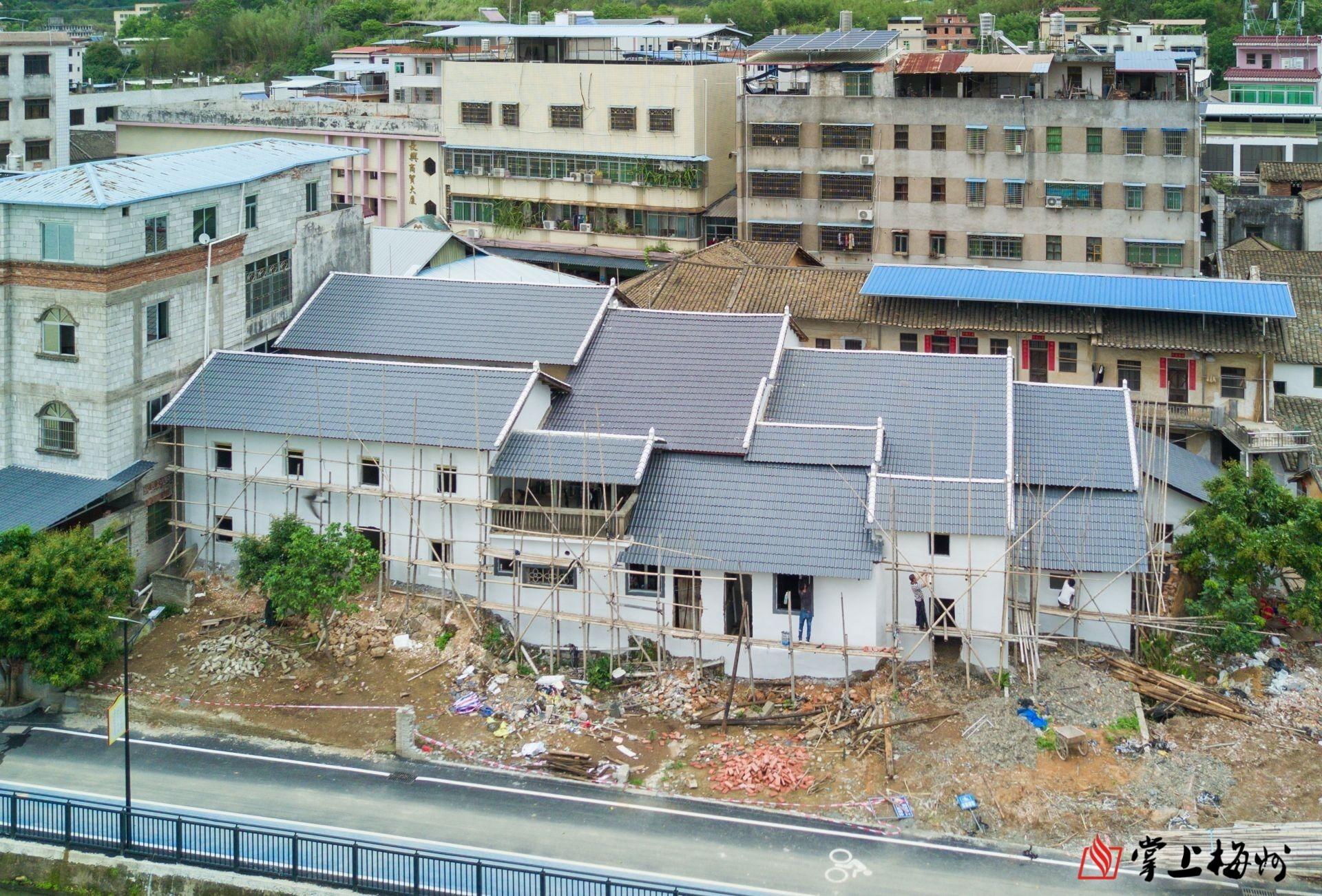 长沙屋顶铁皮瓦更换成树脂瓦